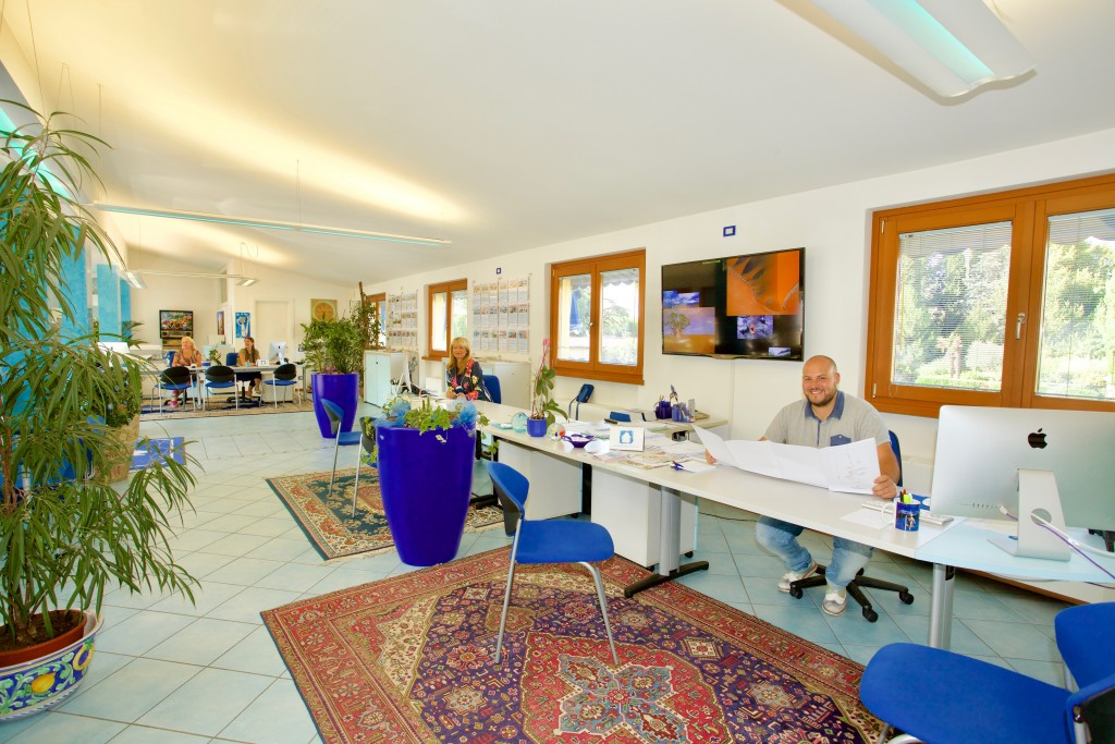 Büro rezeption in Bardolino